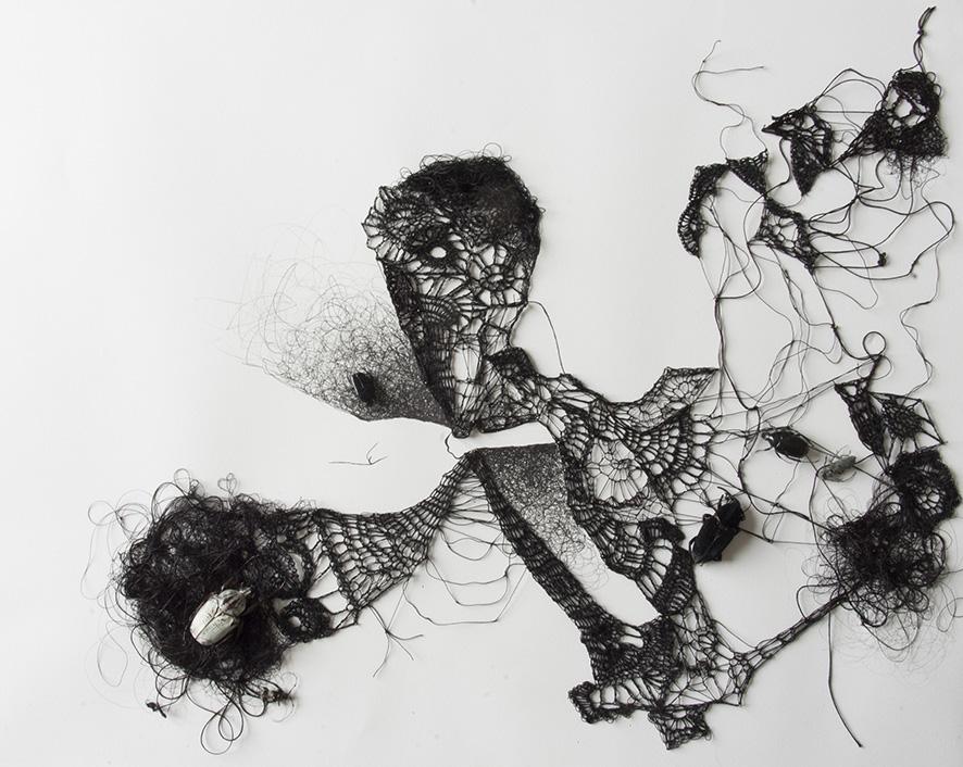 dentelle1-Encre-fil-de-soie-crocheté-insectes-40x50-2018web.jpg